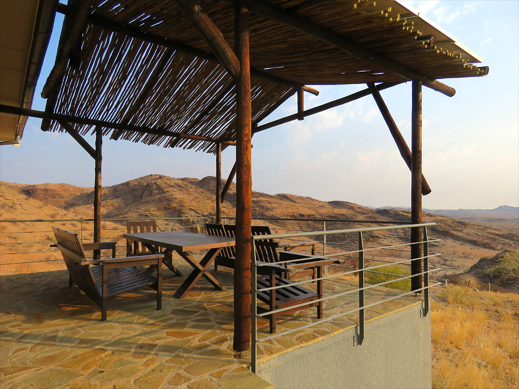 Mountain Chalet Terrasse – Rooisand Desert Ranch